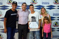 Vereador homenageia campeão da Copa Latino Americana de Bicicross